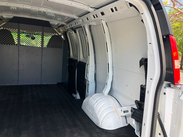 "2014 Chevrolet Express Cargo Van RWD 1500 135"" - Click to see full-size photo viewer"