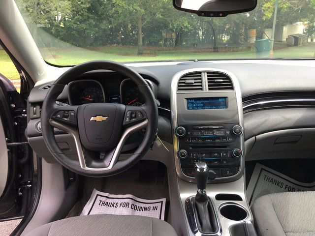 2014 Chevrolet Malibu 4dr Sedan LS w/1LS - Click to see full-size photo viewer