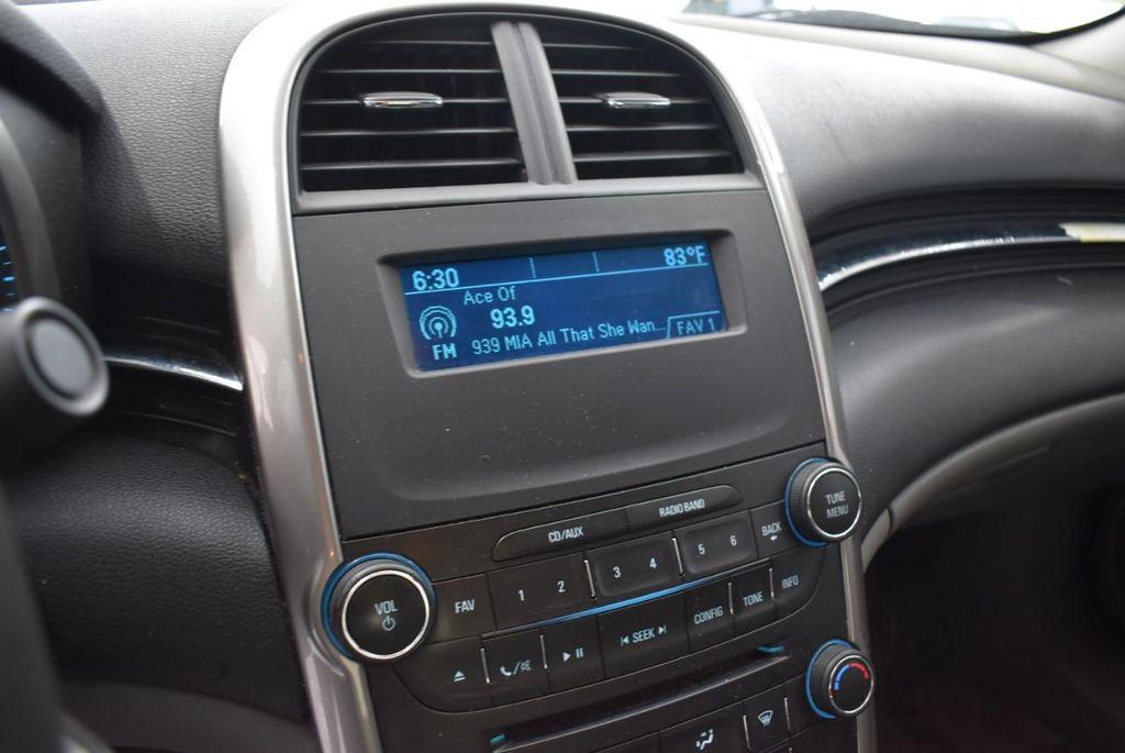 2014 Chevrolet Malibu LS - 17327213 - 11