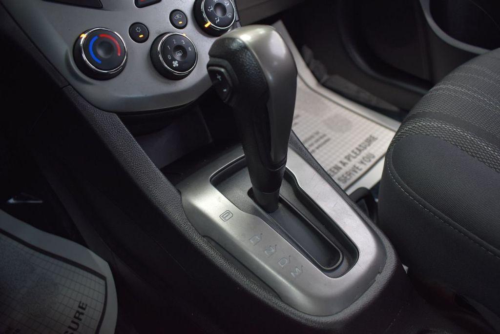 2014 Chevrolet Sonic 4dr Sedan Automatic LT - 18246520 - 21