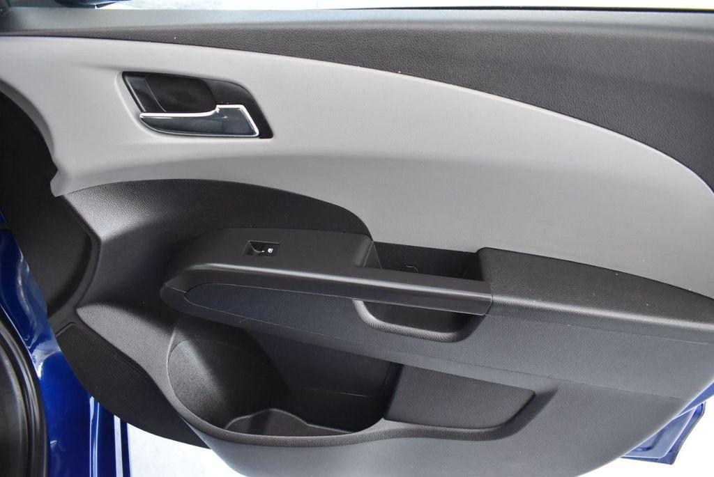 2014 Chevrolet Sonic 4dr Sedan Automatic LT - 18246520 - 24