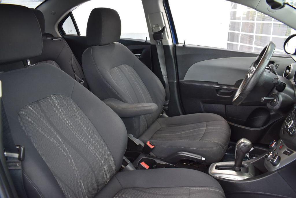 2014 Chevrolet Sonic 4dr Sedan Automatic LT - 18246520 - 25