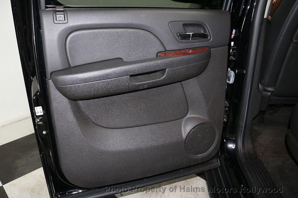 2014 Chevrolet Suburban 4WD 4dr LT - 18607414 - 10