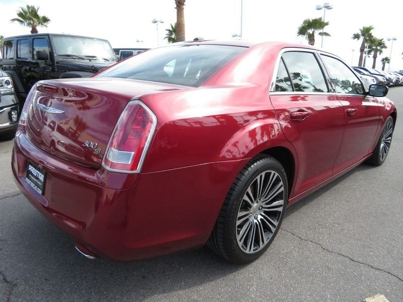 2014 Chrysler 300 4dr Sedan 300S RWD - 17239389 - 12