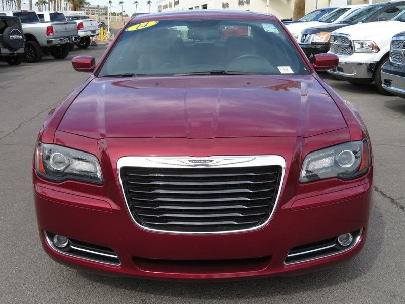 2014 Chrysler 300 4dr Sedan 300S RWD - 17239389 - 1