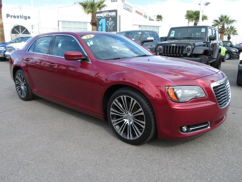 2014 Chrysler 300 4dr Sedan 300S RWD - 17239389 - 2