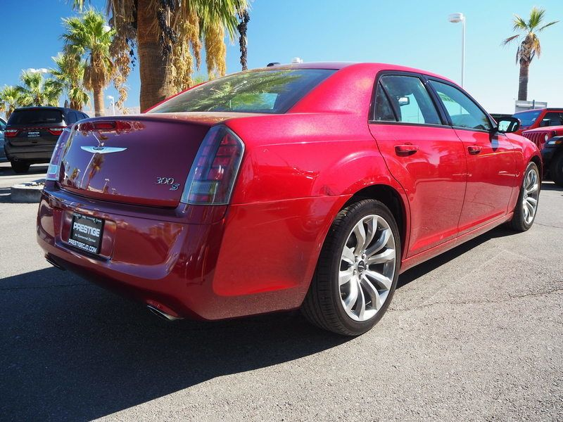 2014 Chrysler 300 4dr Sedan 300S RWD - 17987221 - 11