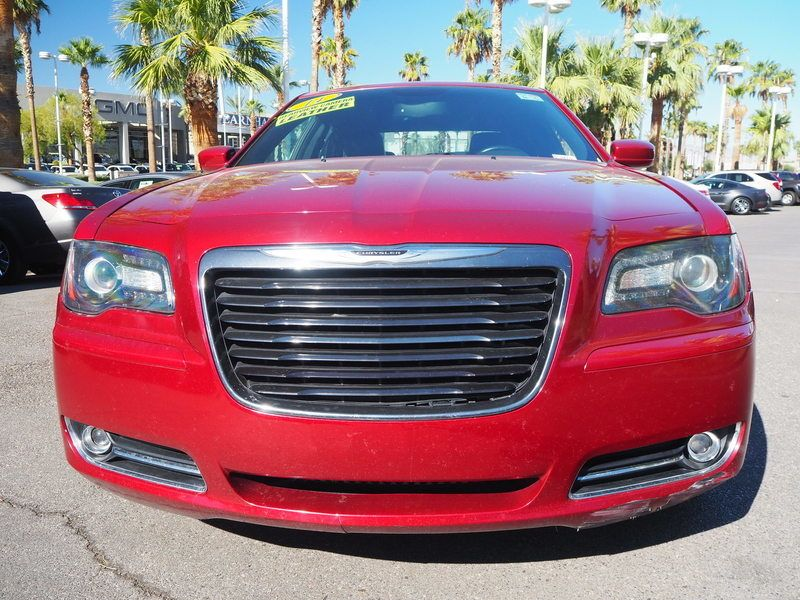 2014 Chrysler 300 4dr Sedan 300S RWD - 17987221 - 1