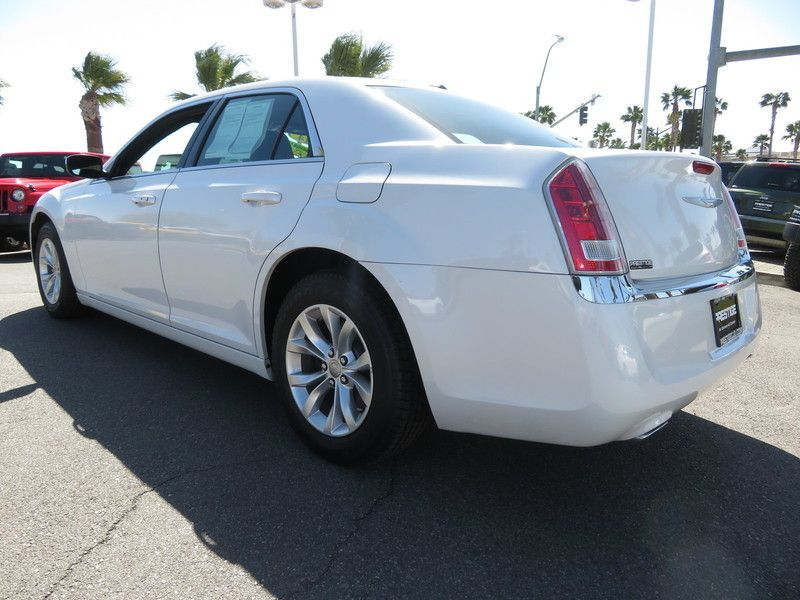 2014 Chrysler 300 Base Trim - 17454767 - 9