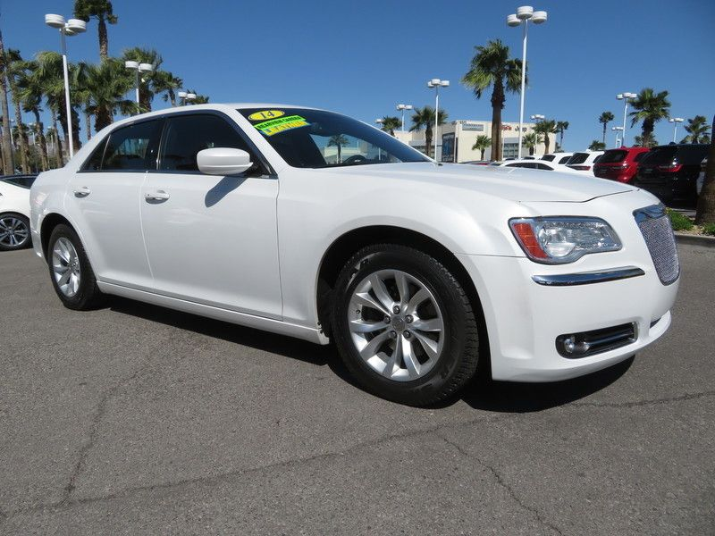 2014 Chrysler 300 Base Trim - 17454767 - 2