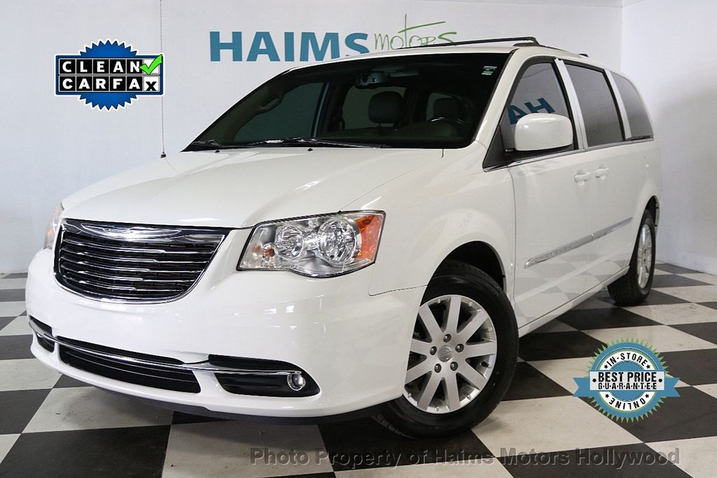 2014 Chrysler Town & Country 4dr Wagon Touring - 17667683 - 0