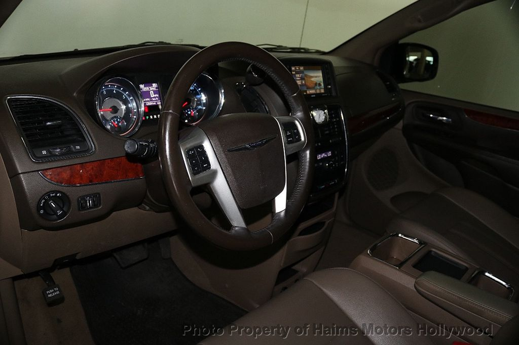 2014 Chrysler Town & Country 4dr Wagon Touring - 17667683 - 20