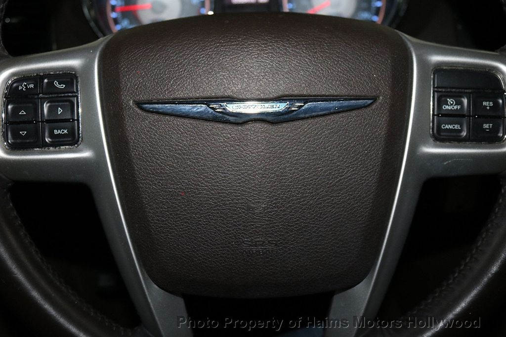 2014 Chrysler Town & Country 4dr Wagon Touring - 17667683 - 28