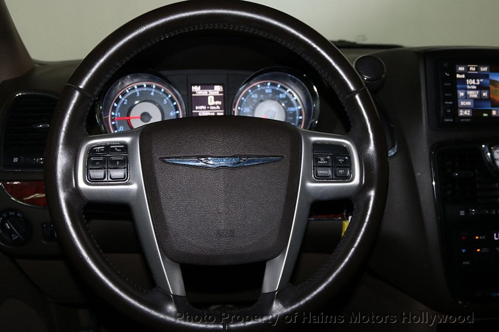 2014 Chrysler Town & Country 4dr Wagon Touring - 17667683 - 29