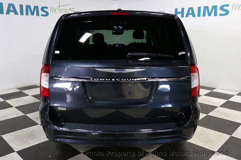 2014 Chrysler Town & Country 4dr Wagon Touring - 18596623 - 5