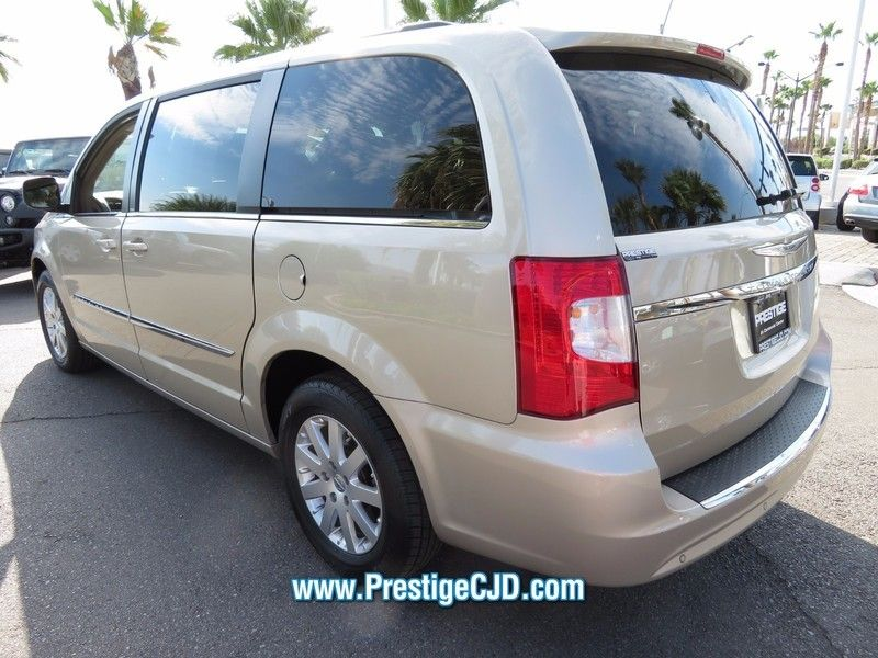 2014 Chrysler Town & Country 4dr Wagon Touring - 16771714 - 6