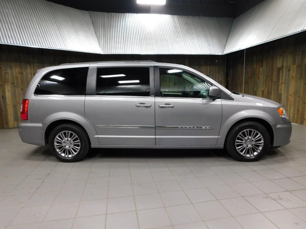 2014 Chrysler Town & Country Touring-L LEATHER - DUAL POWER SLIDERS - NICE! - 17758720 - 0