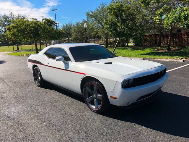 2014 Dodge Challenger 2dr Coupe R/T Plus - Click to see full-size photo viewer