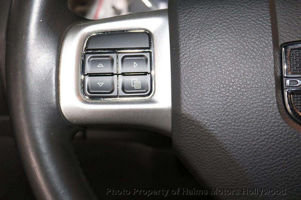 2014 Dodge Challenger 2dr Coupe SXT - 18712610 - 19