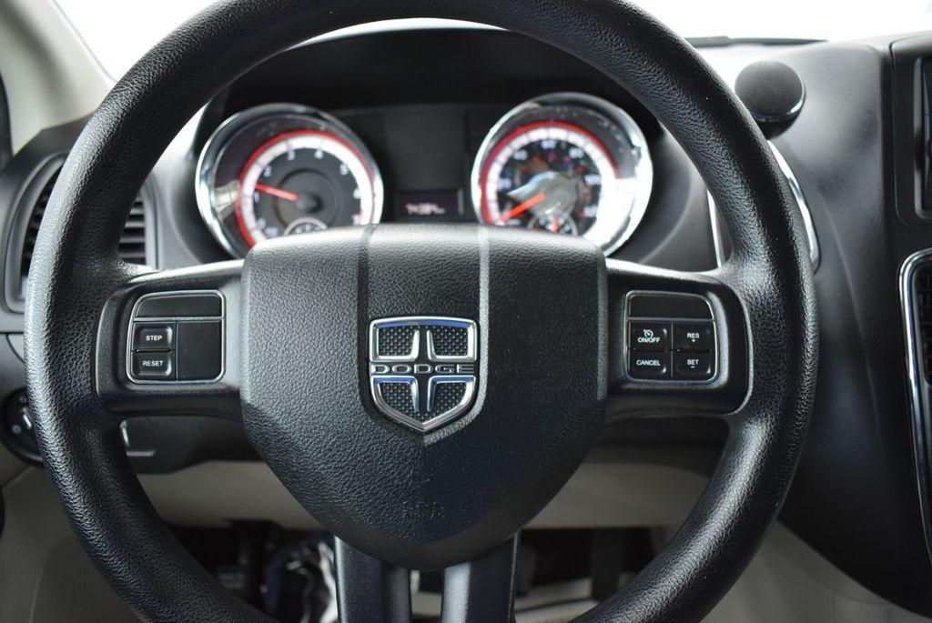 2014 Dodge Grand Caravan SXT - 18497651 - 19
