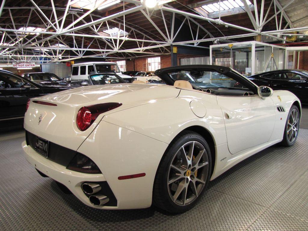 2014 Ferrari California 2dr Convertible - 18327274 - 4