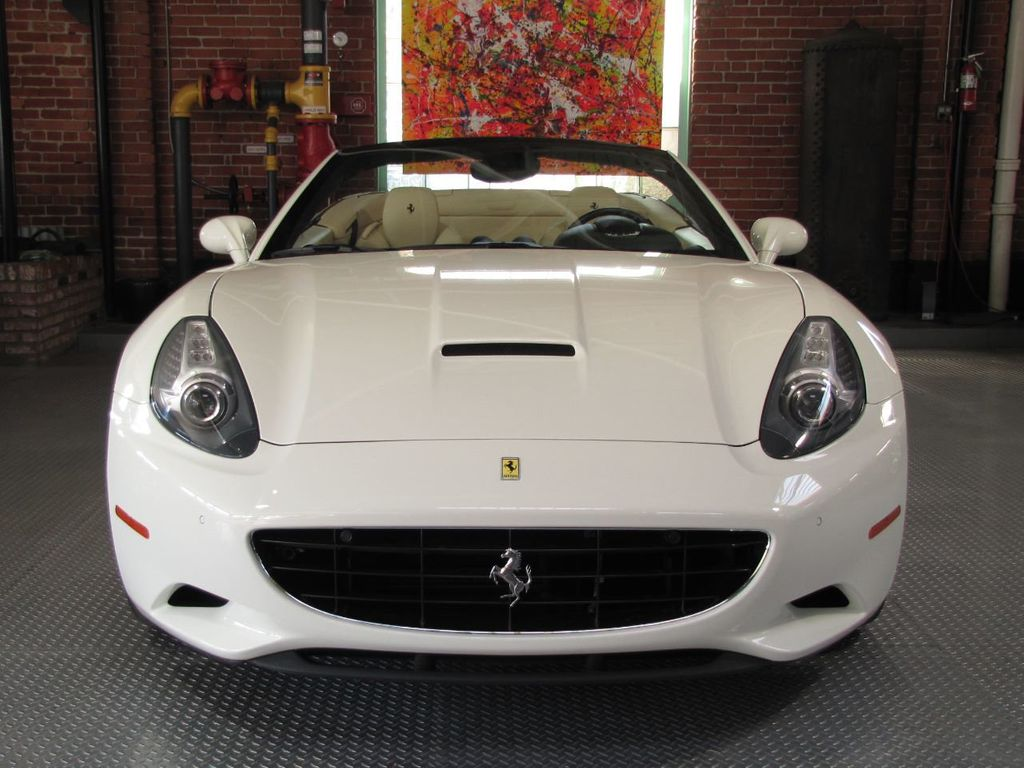 2014 Ferrari California 2dr Convertible - 18327274 - 5