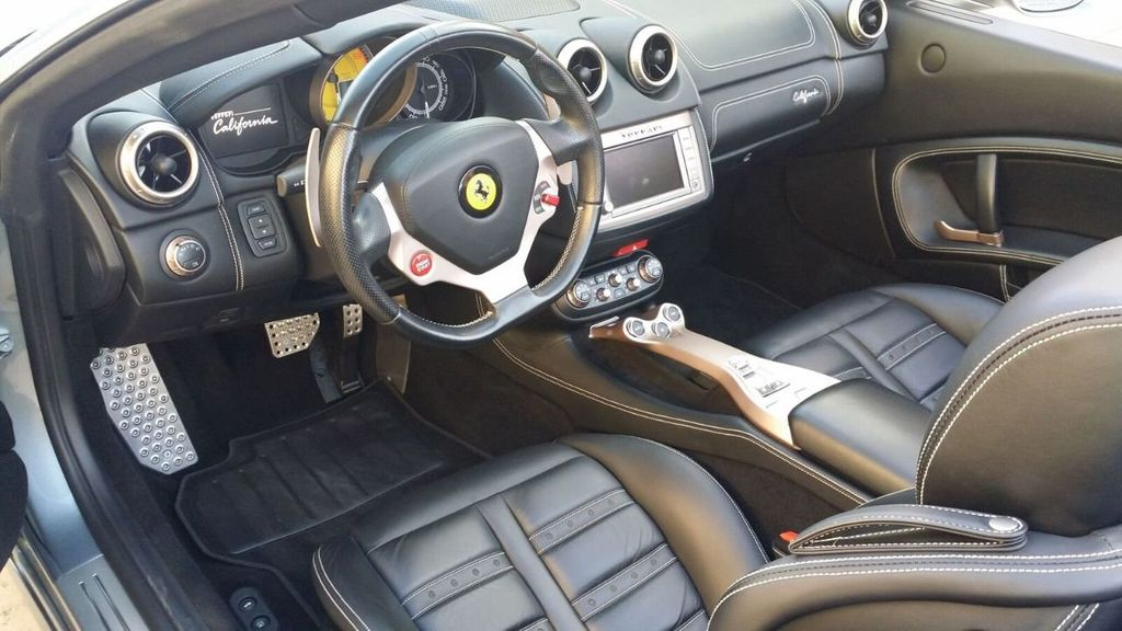 2014 Ferrari California 2dr Convertible - 17309500 - 18