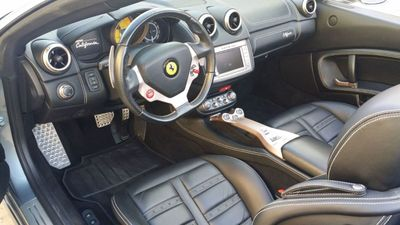 2014 Ferrari California 2dr Convertible - Click to see full-size photo viewer