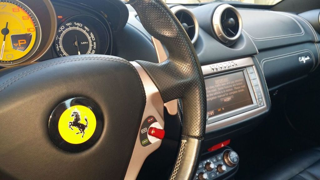 2014 Ferrari California 2dr Convertible - 17309500 - 27
