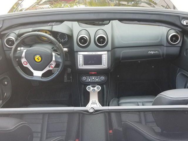 2014 Ferrari California 2dr Convertible - 17952873 - 18