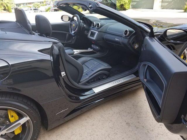 2014 Ferrari California 2dr Convertible - 17952873 - 31