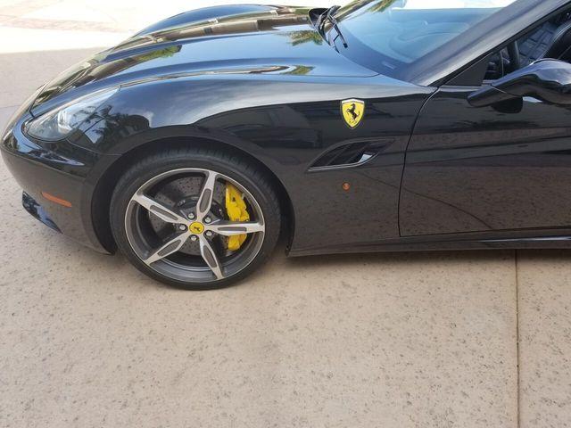 2014 Ferrari California 2dr Convertible - 17952873 - 35