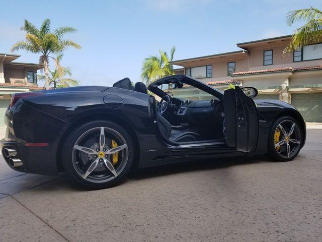2014 Ferrari California 2dr Convertible - 17952873 - 37