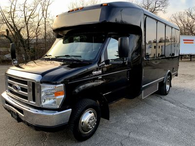 2014 Ford E450 Eldorado Luxury Shuttle Bus