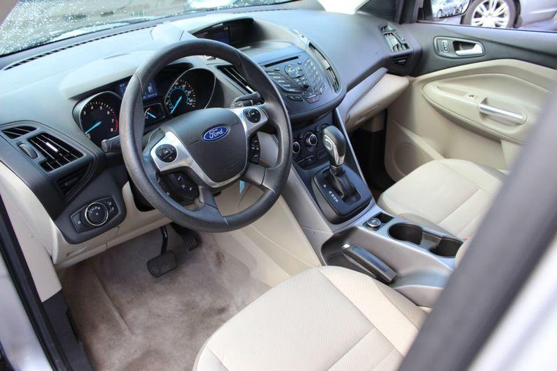 2014 Ford Escape FWD 4dr SE - 18356786 - 3