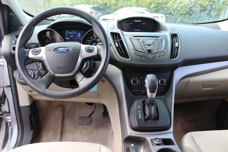 2014 Ford Escape FWD 4dr SE - 18356786 - 4