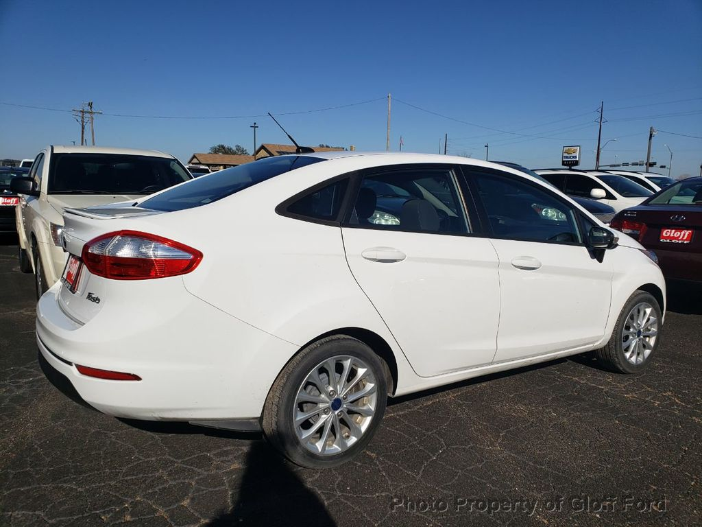2014 Ford Fiesta 4dr Sedan SE - 18684363 - 4