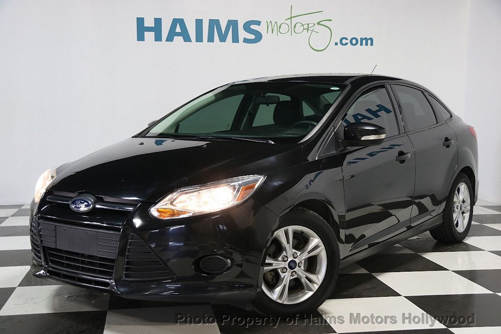 2014 Ford Focus 4dr Sedan SE - 16612694 - 0
