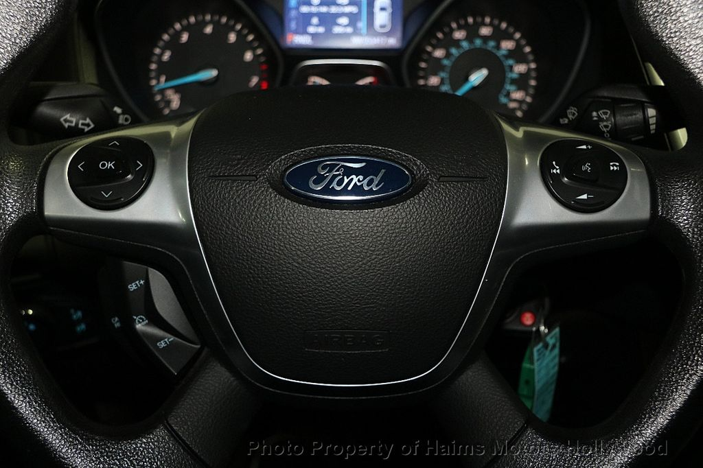 2014 Ford Focus 4dr Sedan SE - 16612694 - 23