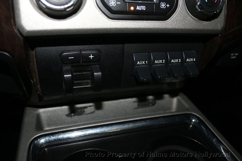 "2014 Ford Super Duty F-250 SRW 4WD Crew Cab 156"" Platinum - 17933673 - 23"