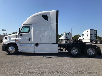 2014 Freightliner Cascadia  - Click to see full-size photo viewer