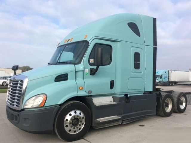 2014 Freightliner CASCADIA CONVENTIONAL TANDEM AXLE SLEEPER TRACTOR TRUCK - 17124382 - 0