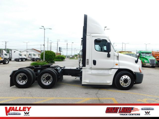 2014 Used Freightliner Cascadia 125 Factory Used Truck Warranty at Valley  Freightliner Serving Parma, OH, IID 19284204