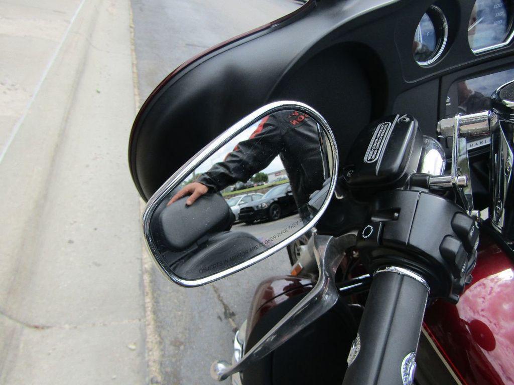 2014 Harley-Davidson Electra Glide Ultra Classic FLHTCU - 16554580 - 32