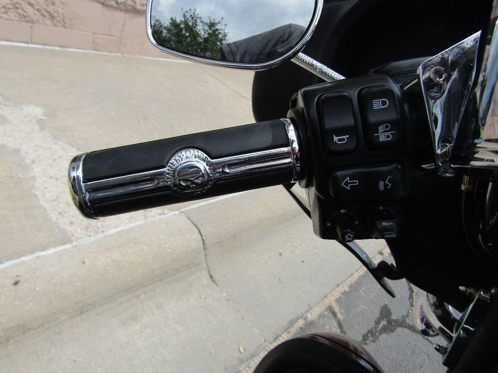 2014 Harley-Davidson FLHTCU Ultra Classic - 16554580 - 11