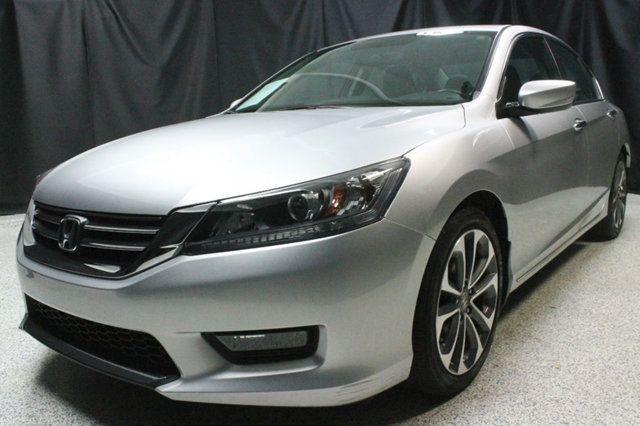 https://photos.motorcar.com/used-2014-honda-accord_sedan-4dri4cvtsport-12650-17060894-1-640.jpg