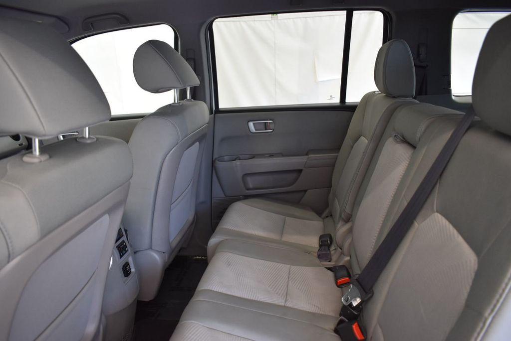 2014 Honda Pilot 2WD 4dr LX - 17899607 - 16