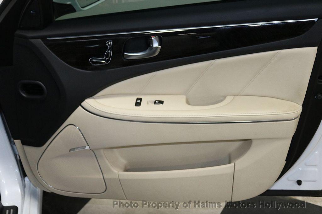 2014 Hyundai Equus 4dr Sedan Signature - 18098844 - 12
