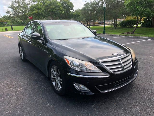 2014 Hyundai Genesis 4dr Sedan V6 3.8L   Click To See Full Size Photo