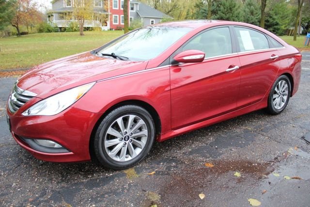 2014 Hyundai Sonata LIMITED LEATHER MOONROOF ONE OWNER  - Click to see full-size photo viewer
